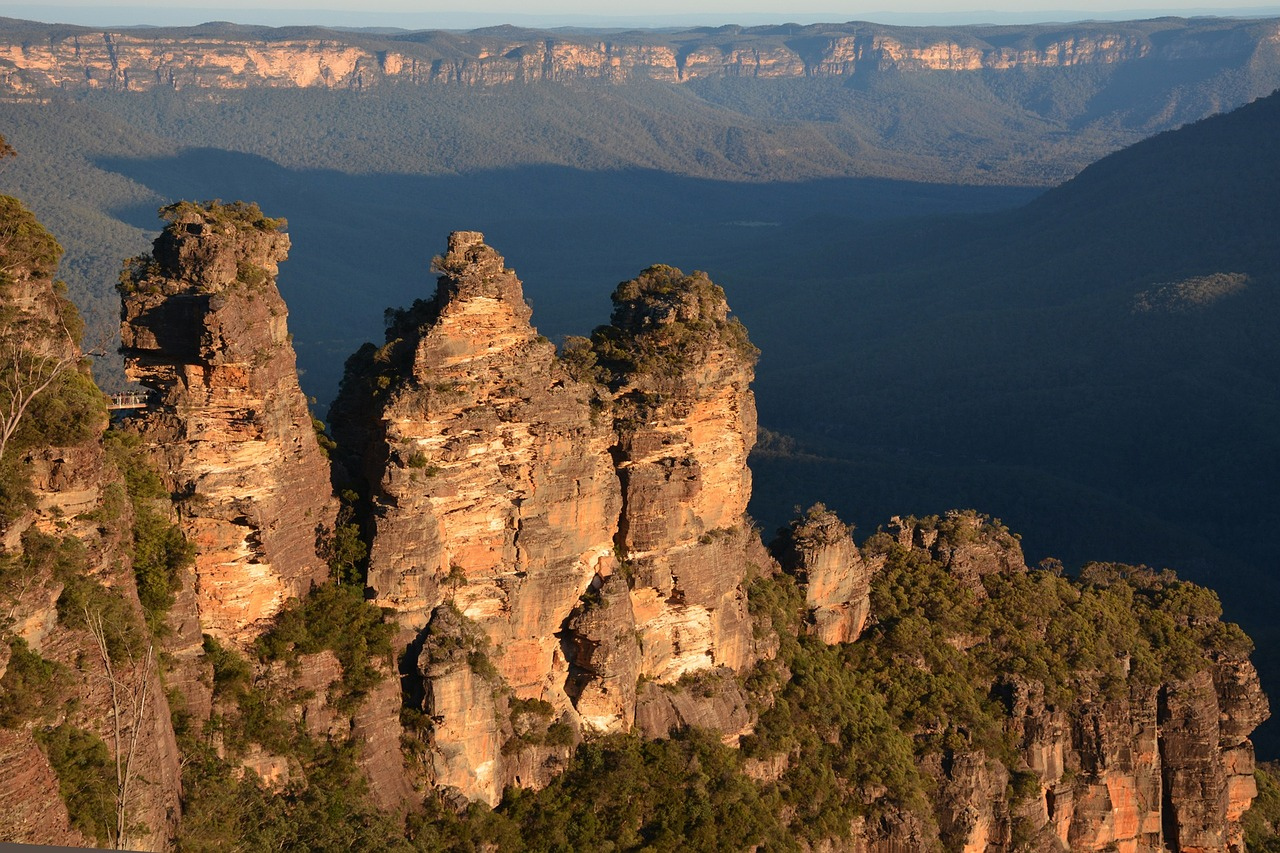 how to hike the blue mountains independently