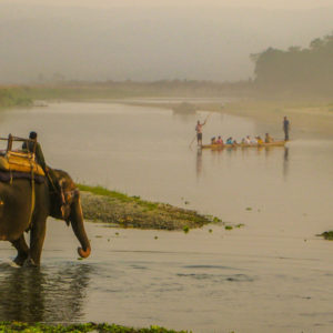 chitwan national park canoe