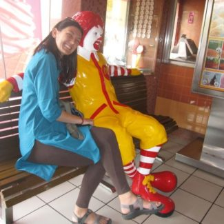 eating at mcdonalds in india