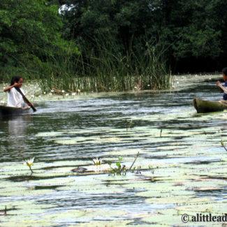 children rio dulce guatemala