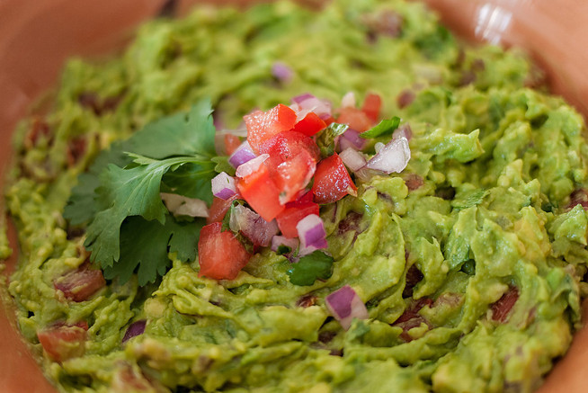 How to Make the Perfect Guacamole (Recipe)